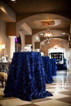 35 Stunning Midnight Blue Color Wedding Ideas – Perfect For Fall And Winter   Weddingomania