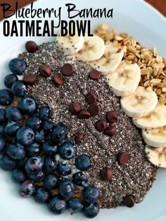 This Blueberry Banana Oatmeal Bowl is a hearty & delicious way to start the morning! Try it for breakfast today! Brunch Recipes, Breakfast Recipes, Breakfast Ideas, Breakfast Casserole, Vegan Vegetarian, Blueberry, Oatmeal, Healthy Eating, Banana