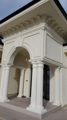 Proiect Casa Rezidentiala Bacau 2 – Profile Decorative Exterior Wall Design, Main Gate Design, Entrance Design, Door Design, Classic House Exterior, Classic House Design, Modern House Design, House Pillars, Pillar Design