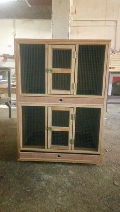 Big Bird Cage, Pigeon Loft Design, Pigeon House, Diy Chicken Coop Plans, Chicken Cages, Rabbit Cages, Angora Rabbit, Raising Chickens, Guinea Pigs