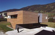 A nice house in Dolomiti Mountains #Italy #architecture #houses #homes #homeprojects #urban #design http://homearchdesign.com/tetris-house-in-italy-designed-by-plasma-studio/