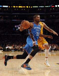 Kevin Durant Kevin Durant Sneakers, Durant Nba, Keep Fit, Kicks, Thunder, Athletes, Fitness, Nerdy, Basket