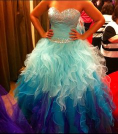 2016 Rhinbow Colored Quinceanera Dresses Sweetheart Crystal Beadings Tulle Ruffle Skirt Ombre Ball Gown Sweet 15 Prom Dresses