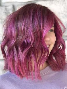 This beautiful pink balayage hair color can be use to wear for modern hair colors look in year 2020. Ladies who wanna wear charming hair color in year 2020 they are advised to check out the latest trends of pink balayage hair colors and hairstyles trends given here for coolest hair look. Hair Color Highlights, Hair Color Balayage, Modern Hairstyles, Cool Hairstyles, Beauty Trends, Hair Looks, Hair Trends, Hair And Nails, Long Hair Styles