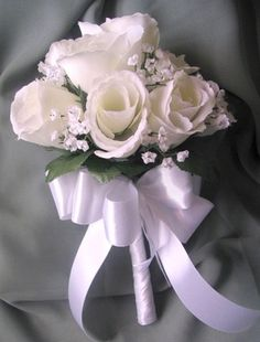bridemaids bouquet pale yellow roses.. bow in grey..cute