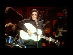 "Johnny Cash - ""City of New Orleans"" ((Hee Haw Show)) - YouTube"