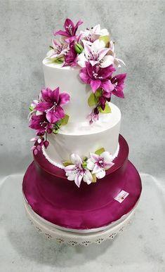 Plum Beauty  by Michelle's Sweet Temptation - http://cakesdecor.com/cakes/303151-plum-beauty