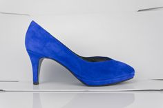 #BLUE #SUEDE #SHOES #HANDCRAFTED  #MADEINSPAIN #zapatos #ante #azules #estilo #tacones #plataforma #PLATFORMPUMPS #ONLINESHOPPING #MADETOORDER #CUSTOMMADE #WORLDWIDESHIPPING 27 #DIFFERENT #COLORS http://www.jorgelarranaga.com/es/home/378-425.html