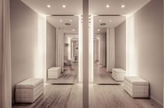 #Vestidor #Salón de belleza #Tienda #moderno #contract via @planreforma #iluminacion #espejos #rehabilitación #storefront #textiles #armarios #madera