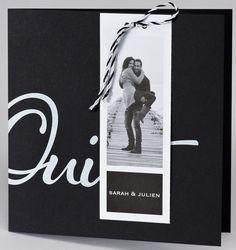 """Faire-part résolument moderne, noir, décoré d'un """"Oui"""" blanc. Deux cartes d'invitation s'accrochent à la couverture à l'aide d'un lacet bicolore noir et blanc. Sur la couverture, une carte porte-prénom vous permettra d'imprimer une ou deux photos afin de personnaliser davantage ce faire-part. Format plié : 155 x 155 mm #fairepart #mariage #fairepartmariage #invitationmariage #fairepartavecphoto #photomariage #photographemariage #weddingphoto #weddingphotographer #marriage #bridetobe #bride Faire Part Photo, Carton Invitation, Aide, Oui, Photos, Poster, Wedding Ideas, Black Picture, Pictures"""