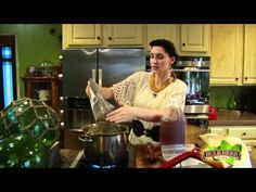 Shoshanna's Kitchen - Episode 79 - Vinegar Soak for foot/toe fungus, athlete's foot, whatever