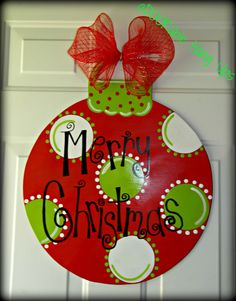 15 Most Creative Christmas Door Most Creative Christmas Door Themes: & Maroon Door - Diy Crafts You & Home Design Christmas Wood, Christmas Signs, Christmas Balls, Christmas Projects, Christmas Holidays, Christmas Wreaths, Christmas Ornaments, Merry Christmas, Christmas Door Decorations