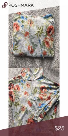 Floral hoodie (new) Super soft and comfortable gray floral hoodie. fits XS/S. NWOT. no trades but open to offers! if you have any questions don't hesitate to ask 😇 Tops Sweatshirts & Hoodies