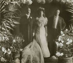 Nicholas Longworth, Alice Roosevelt Longworth and Theodore Roosevelt on Alice and Nicholas' wedding day. Detail from Stereograph image. From Library of Congress Prints and Photographs division. Full digital record here.