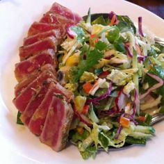 Outback Steakhouse's SEARED AHI SALAD with CITRUS WASABI VINAIGRETTE Dressing * my husband's favorite salad ** photo & recipe courtesy of Outback Steakhouse