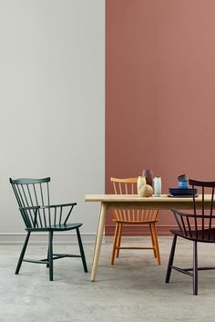 The iconic J52B and J52G chair from the Danish designer Børge Mogensen has been relaunched in its original colours.