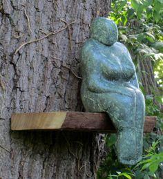 Waiting on a friend van Ine de Cock Art Sculpture, Garden Sculpture, Waiting On A Friend, Plus Size Art, Museum Of Modern Art, Stone Carving, Creative Inspiration, Female Art, Garden Art