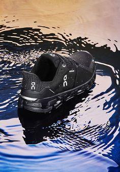 #cloudflyer #onrunning #on #running #laufschuh #running #shoe #runningshoe Me Too Shoes, Men's Shoes, Shoe Boots, Dress Shoes, Fashion Boots, Sneakers Fashion, Sneakers Nike, Mens Fashion, Stability Running Shoes