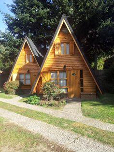 A Frame House Plans, Tiny House Plans, Cabin Design, Tiny House Design, Triangle House, Cabin In The Woods, Weekend House, Dome House, Tiny House Cabin