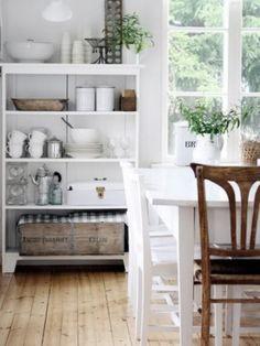 Kitchen Decoration - Simple & Organized!
