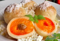 Apricot dumplings from cheese dough NejRecept. Slovakian Food, Czech Recipes, Sweet And Salty, What To Cook, Dumplings, Goodies, Food And Drink, Cooking Recipes, Bread
