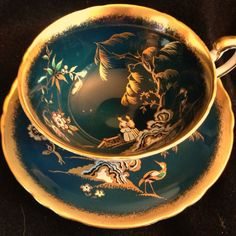 Paragon England Golden Oriental Chinoiserie Vintage Tea Cup And Saucer Set. Tea Cup Set, Tea Cup Saucer, Antique Tea Cups, Vintage Tea Cups, Teapots And Cups, Teacups, Stained Glass Designs, China Tea Cups, Tea Service