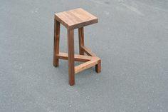legless-bar-stool-2