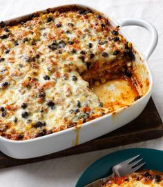 Meatless, wheatless and only 308 calories per serving. Meatless, wheatless and only 308 calories per serving. Mexican Lasagna Recipes, Mexican Dishes, Vegetarian Burrito, Vegetarian Recipes, Vegetarian Options, Diet Recipes, Black Bean Lasagna Recipe, Black Bean Casserole