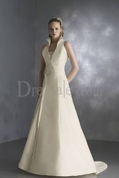 New Conceptive High Collar Plunging A-line Bridal Dress