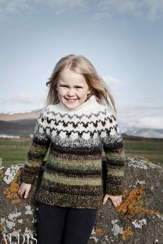 Óveður - Pattern Book - Beautiful Icelandic Patterns - Only available in Icelandic. Knitting For Kids, Knitting Yarn, Graphic Quotes, Pattern Books, Beautiful Patterns, Wool Sweaters, My Children, Knits, Lust