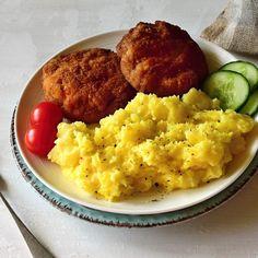 Holandský řízek podle Romana Vaňka Cornbread, Mashed Potatoes, Eggs, Breakfast, Ethnic Recipes, Food, Millet Bread, Whipped Potatoes, Morning Coffee
