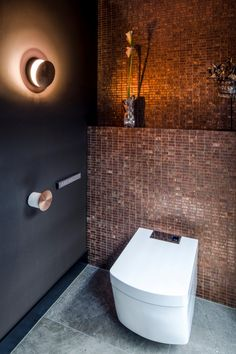 Penthouse Rotterdam Linda Lagrand Interior Design Penthouse Rotterdam Linda Lagrand Interior Design More Source by abhcedric Bathroom Design Luxury, Bathroom Design Small, Modern Bathroom, Modern Toilet, Small Toilet, Luxury Toilet, Toilette Design, Wc Design, Toilet Room