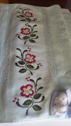 Cross Stitch Borders, Cross Stitch Designs, Cross Stitch Patterns, Lavander, Diy Canvas Art, Bargello, Embroidery Patterns, Diy And Crafts, Beads