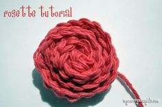 free tutorial for a crochet rosette / rose bud. super easy!