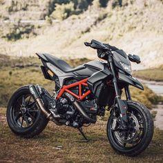 Ducati Motorbike, Motorcross Bike, Motocross Gear, Motorcycle Bike, Cool Dirt Bikes, Mx Bikes, Duke Bike, Ducati Hypermotard, Bike Pic