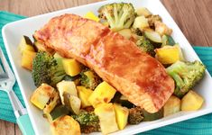 Ingredients: 2 tbsp. BBQ sauce with 45 calories or less per 2-tbsp. serving 1 tsp. Sriracha sauce 1 cup broccoli florets 1/2 cup chopped...