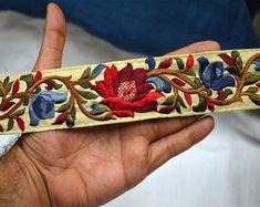 Details about neotrims indian sari border salwar kameez trimming ribbon flower embroidery – Artofit Fashion Tape, Folk Fashion, Indian Fabric, Silk Fabric, Red Saree, Sari, Embroidery Patterns, Hand Embroidery, Flower Embroidery