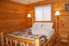 Each Golden Eagle has two bedrooms, each with one queen size bed. Linens are provided.