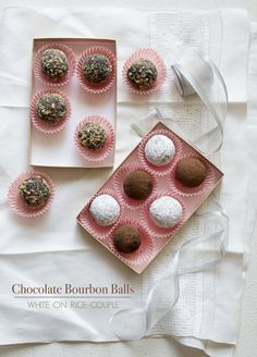Chocolate Bourbon Balls in 3 different ways: perfect for gifts! On WhiteOnRiceCouple.com and @whiteonrice