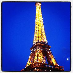 Effiel tower <3 beautiful at night