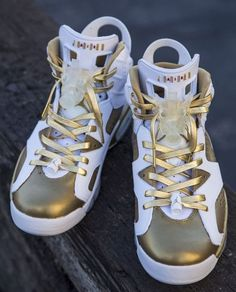 2014 cheap nike shoes for sale info collection off big discount.New nike roshe run,lebron james shoes,authentic jordans and nike foamposites 2014 online. Air Jordan Shoes, Jordan Vi, Popular Sneakers, Nike Kicks, Adidas Shoes Outlet, Site Nike, Nike Free Shoes, Nike Air Jordans, Custom Shoes