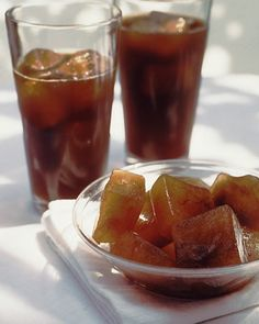 Freeze Your Leftover Coffee into Ice Cubes: keep your iced coffee from getting watered down by serving it with coffee ice cubes. Or add milk to make latte ice cubes. Flavored Ice Cubes, Smoothies, Great Recipes, Favorite Recipes, Coffee Ice Cubes, Martha Stewart Recipes, Frozen Coffee, Good Food, Yummy Food