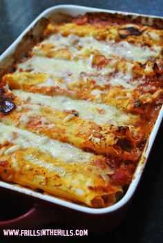 Cheesy Cannelloni yumminess, even the kids ate it ! Perfect winter food and great for lunch the next day ! nom nom nom by rochelle Beef Recipes, Mexican Food Recipes, Italian Recipes, Cooking Recipes, Easy Recipes, Good Food, Yummy Food, Warm Food, Dinner Dishes