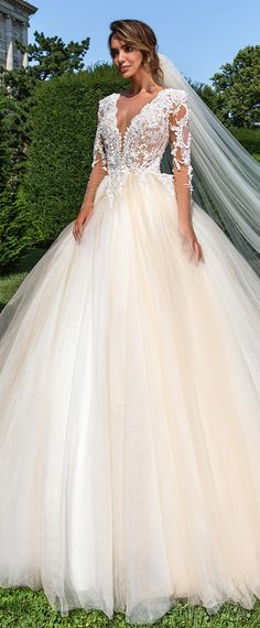 Gorgeous Tulle Jewel Neckline Ball Gown Wedding Dress With Beaded Lace Appliques