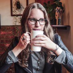 Rainy time with tea Instagram: @LauraKobels  Creative Director: Laura Kobels Fotógrafa: Daniela Santamaria @a_huge_wtf