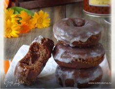 Не ожидала, что так понравятся эти шоколадные пончики. Вкус корицы и шоколада так гармонируют друг с другом, а сахарная глазурь придает некую сочность. Думаю, они как нельзя кстати подходят к чашеч...