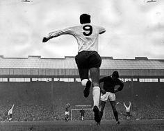 Alan Gilzean celebrates Pat Jennings goal against Manchester United in 1967 Charity Shield Pat Jennings, Fa Community Shield, Tottenham Hotspur Players, Bristol Rovers, Image Foot, Spurs Fans, White Hart Lane, Celtic Fc, Salford
