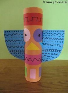 Knutselen Totempaal van keukenrol K Crafts, Crafts For Kids, Arts And Crafts, School Projects, Art Projects, Nanny Activities, Kindergarten Art, Preschool Classroom, Abstract Face Art