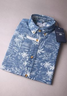 #Shirt #PalmTree Summer Shirts, Denim Shirt, Denim Fashion, Mens Suits, Shirt Outfit, Printed Shirts, Shirt Style, Men Dress, Casual Shirts