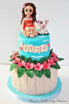Moana Cake - Cake by rincondulcebysusana, boat symbols, headdress, water.